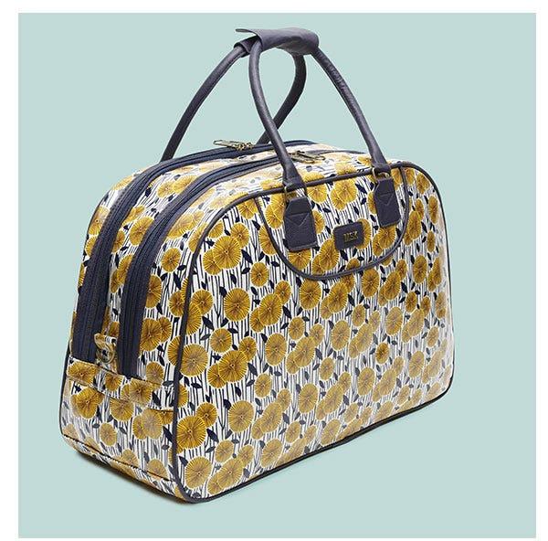 https://www.misako.com/media/outlet/ENG/Weekend_bags_outlet_travel_items.jpg